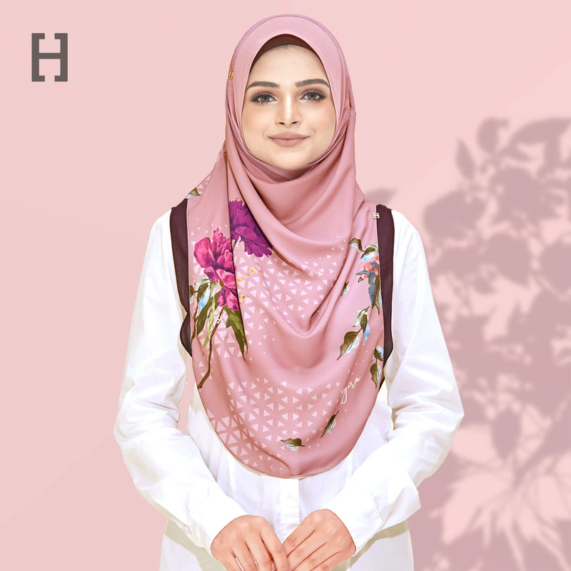 HEGIRA | CHARMINGLY-SO ARTISTRY ROSE