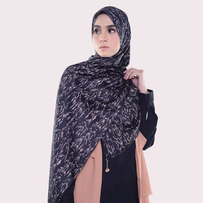 TAMYR SHAWL in BLACK