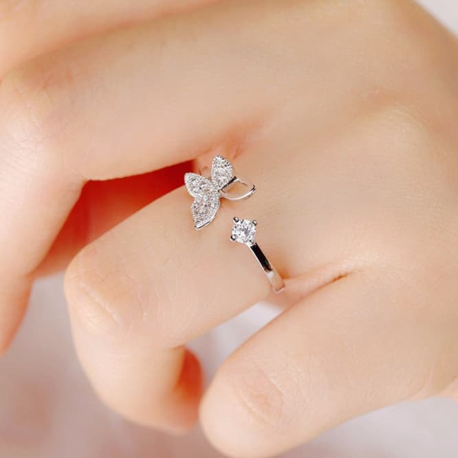Berthe Butterfly Ring
