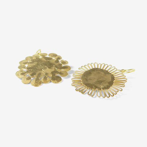 JUDY GEIB 18K LARGE FLAT FLOWERY EARRINGS