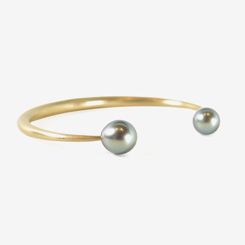 TED MUEHLING 14K OPEN BANGLE WITH 8MM TAHITIAN PEARLS