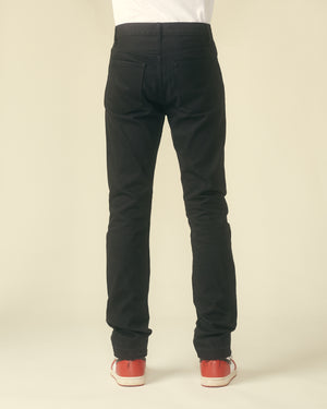BLACK ESSENTIAL DENIM
