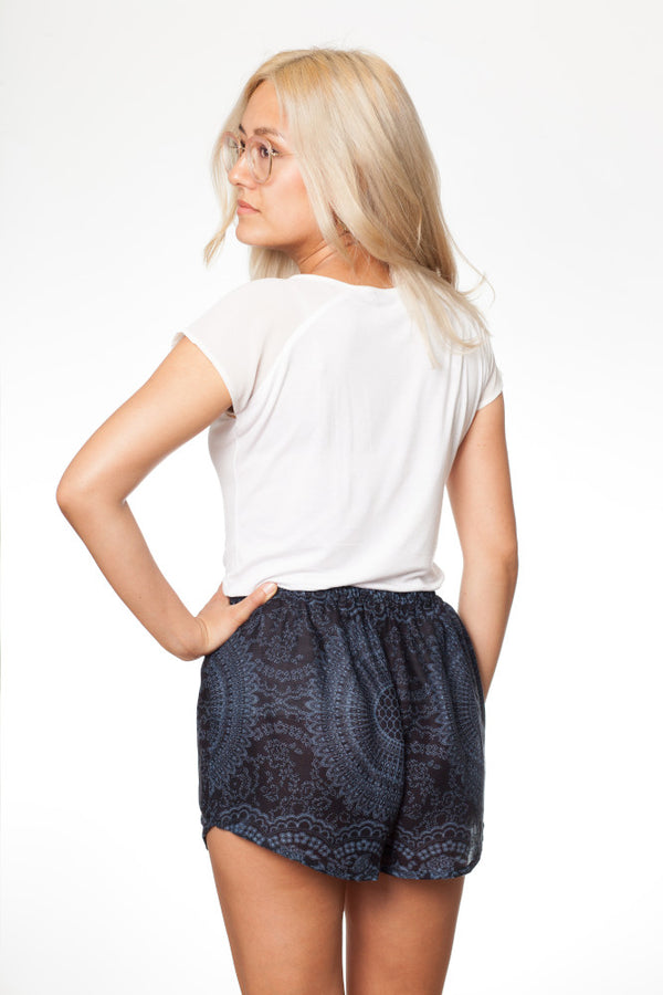 Nacht Mandala Shorts - paigh