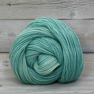 Luna Grey Fiber Arts Zeta Yarn | Colorway: Araucana