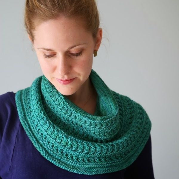 Luna Viridis Cowl Kit  |  Pattern + Yarn