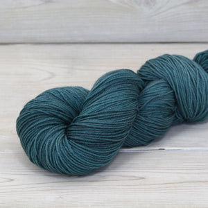 Luna Grey Fiber Arts Altair Yarn | Colorway: Marquesas