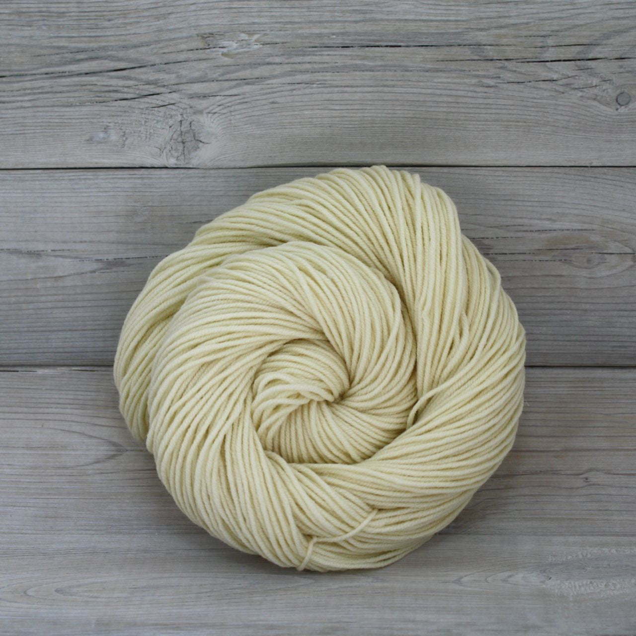 Luna Grey Fiber Arts Aspen Sport Yarn in Natural (Undyed)