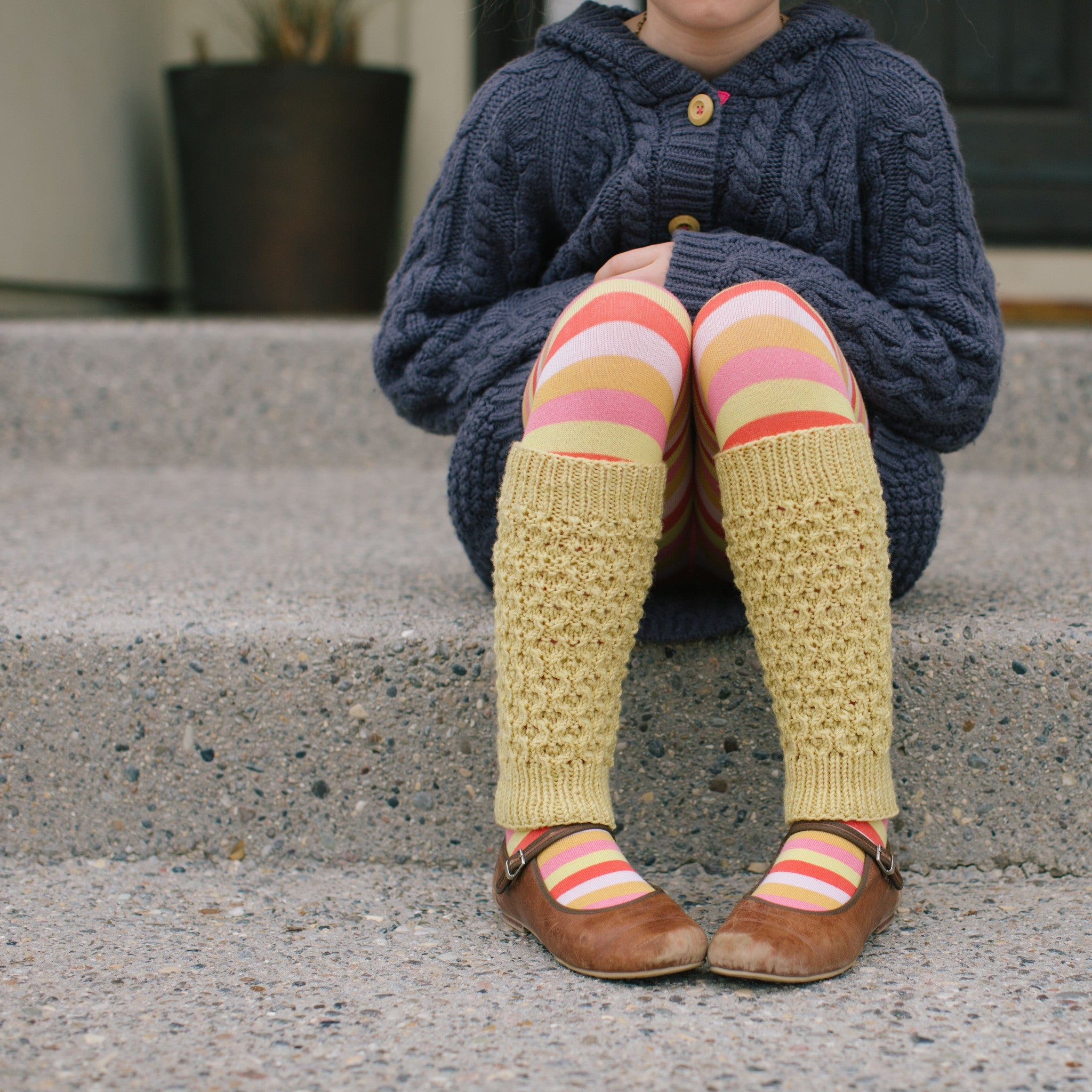 Queen Bee Leg Warmer Kit  |  Pattern + Yarn