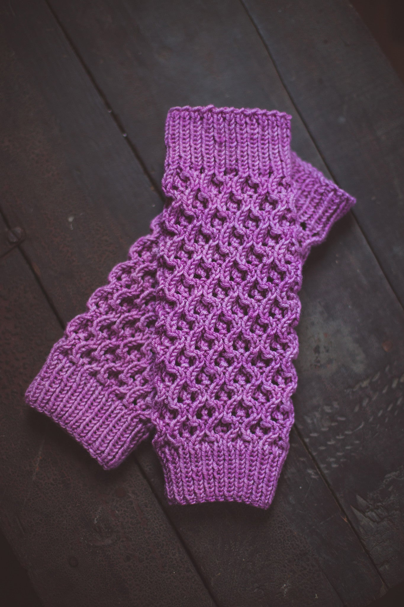 Queen Bee Leg Warmers Pattern