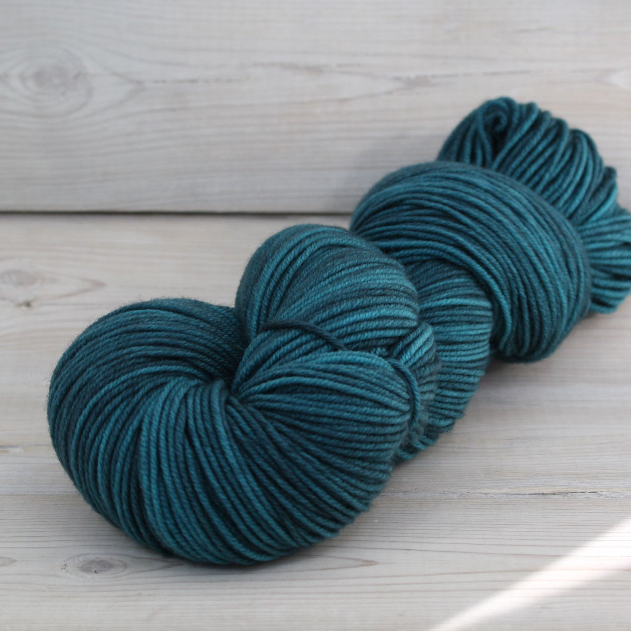 Luna Grey Fiber Arts Aspen Sport Yarn | Colorway: Techno