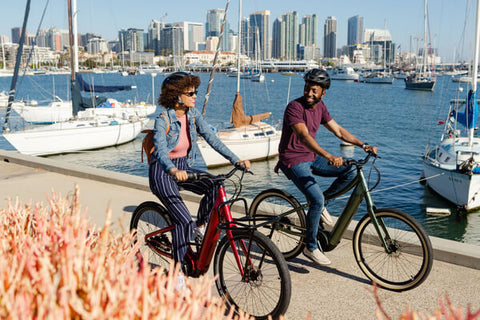HYBRID BIKE RIDERS AT THE BAY