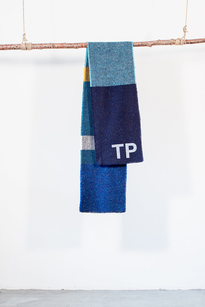 The TP printed football scarf (blue)