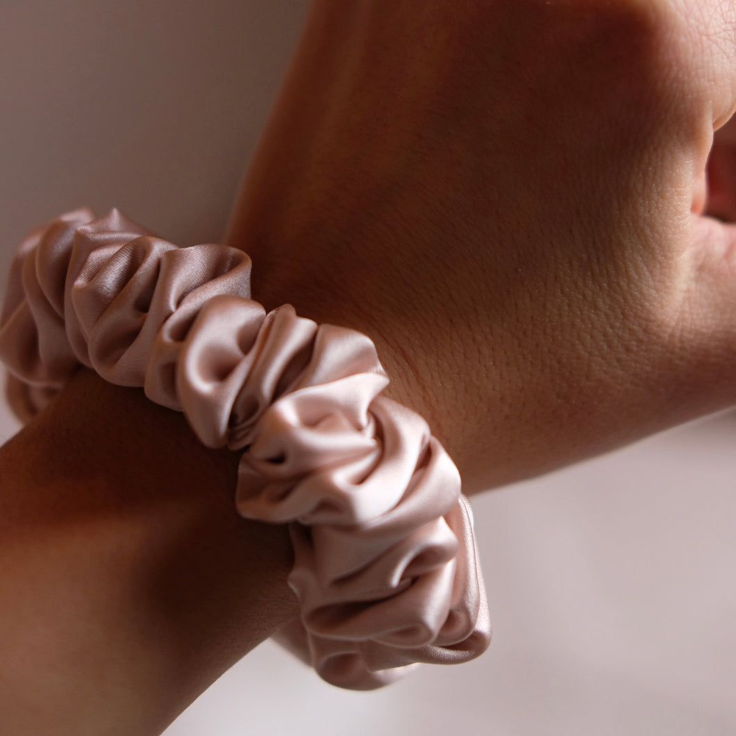 SILK SCRUNCHIES extra; SOFT PINK
