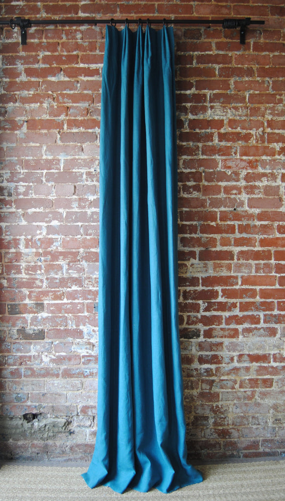 Solid Linen Panel (w/ Pinch Pleat)