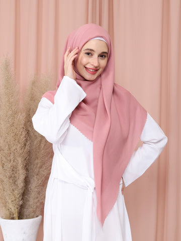 Water-Repellent Scarf in Dusty Pink