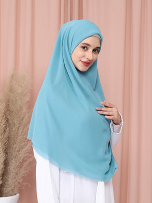 Moira Khimar in Mint