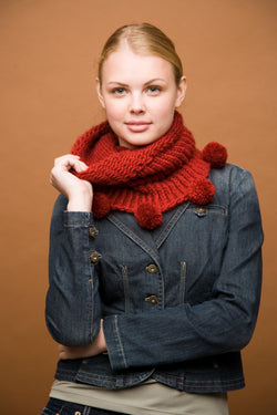 Knifty Knitter Cowl with Pom-Poms (Knit)