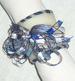 Holiday Twist Napkin Rings Pattern (Crafts)