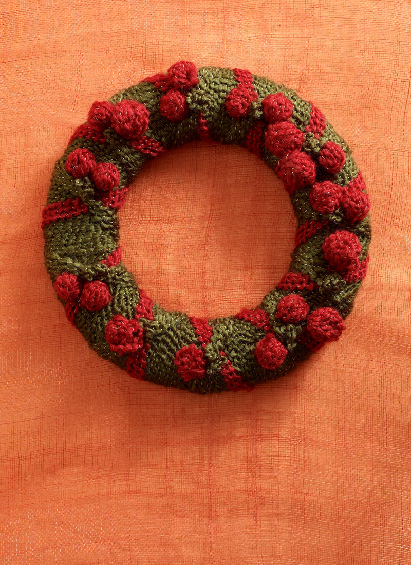 Holiday Welcome Wreath (Crafts)