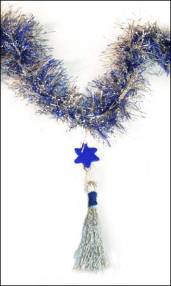 Tasseled Chanukah Garland Pattern (Crafts)