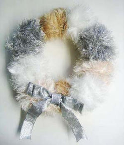White Wonder Wreath Pattern (Crafts)
