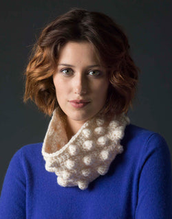 Level 3 Crocheted Cowl (Crochet)