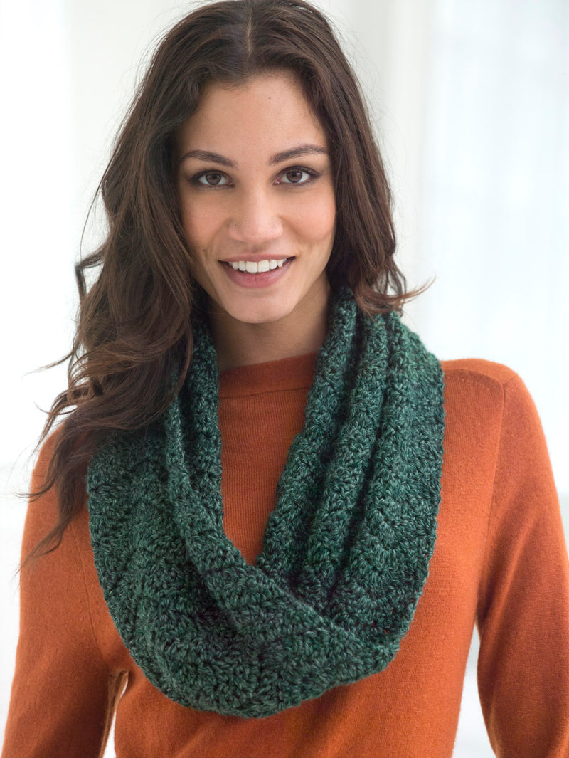 Twisted Wave Cowl (Crochet)