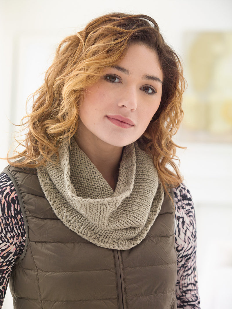 Colwick Cowl Pattern (Knit)