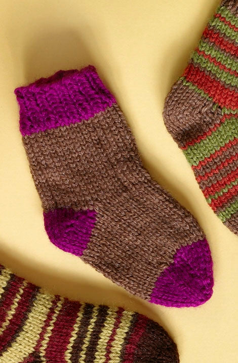 Knit Childs Two Color Socks Pattern (Knit)