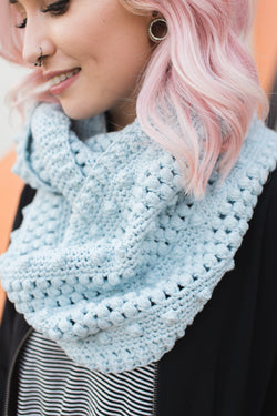Crochet Kit - Dottie Infinity Scarf