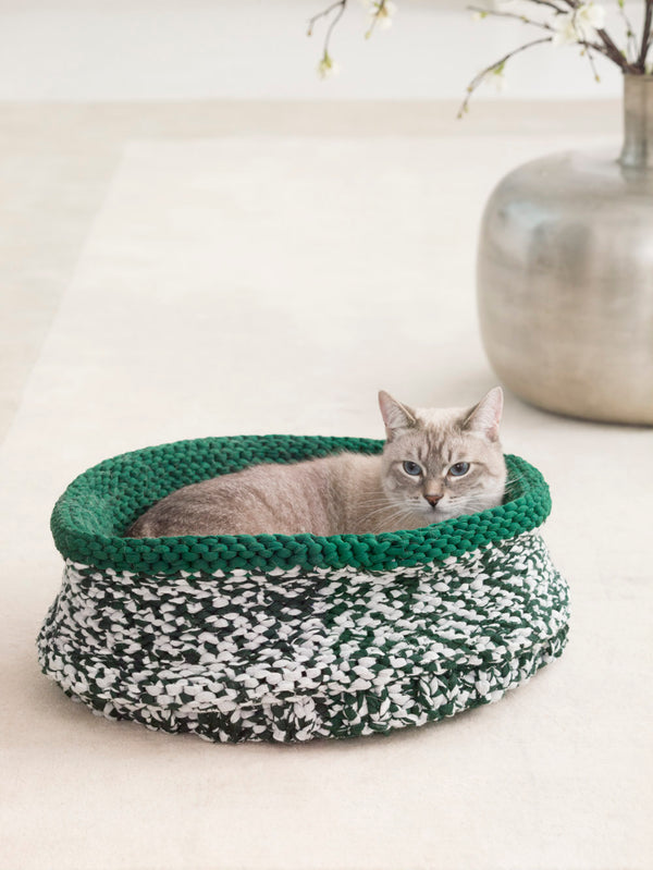 Cat Bed (Knit)