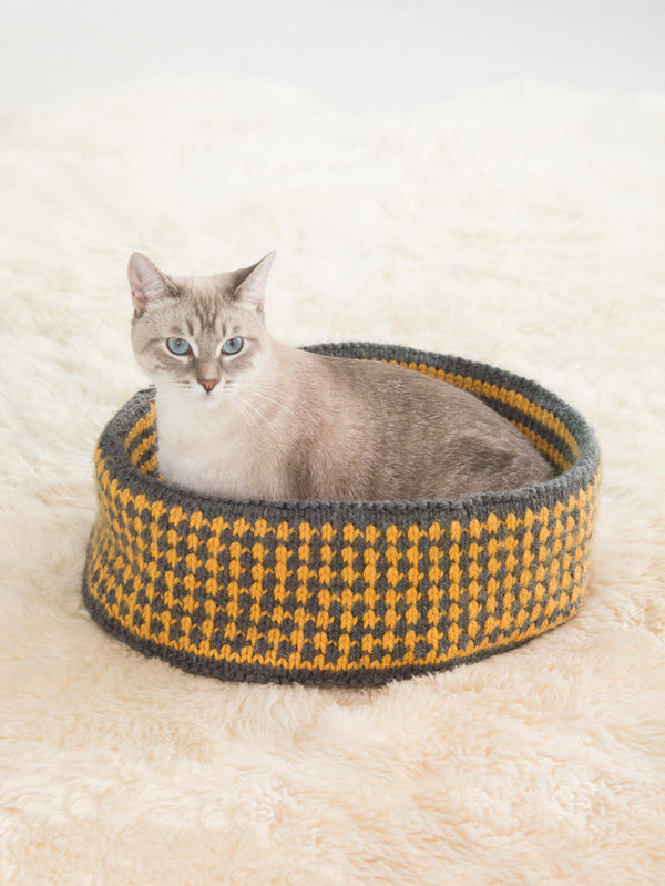 Pretty Kitty Bed (Knit)