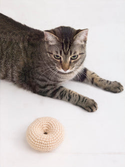 Kent Street Bagel Cat Toy (Crochet)