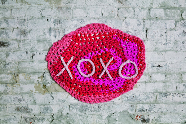London Kaye XOXO Banner (Crochet)