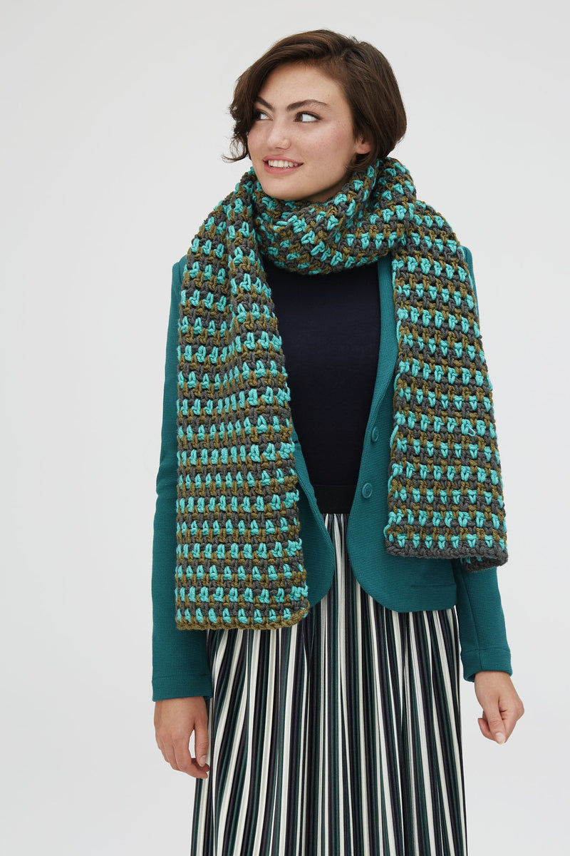 Evergreen Avenue Scarf (Crochet)