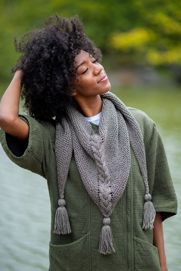 Hercote Cable Shawl (Knit)
