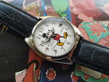 Load image into Gallery viewer, Lorus By Seiko Disney Mickey Mouse Automatic Watch Y621-6050 A1