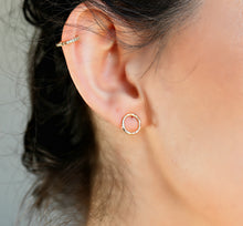 Load image into Gallery viewer, Hammered Gold Circle Stud Earrings