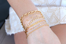 Load image into Gallery viewer, Gold Rectangle Chain Bracelet