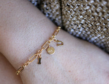 Load image into Gallery viewer, Dainty Gold Initials and Heart Chain Bracelet