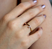 Load image into Gallery viewer, 14k Gold Chevron Wedding Band with Diamond Ring