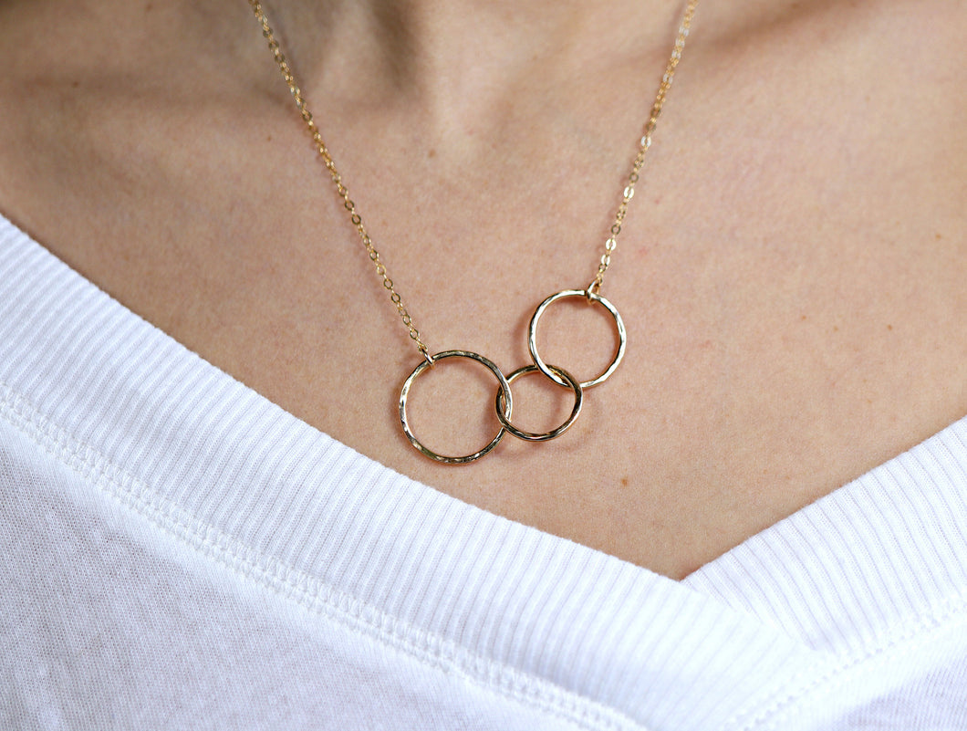 Three Circle Interlocked Necklace, Sisters Gift