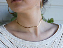 Load image into Gallery viewer, Gold Coin Disc Choker