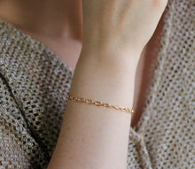 Load image into Gallery viewer, Gold Thick Chain Bracelet, Gold Layering Bracelet