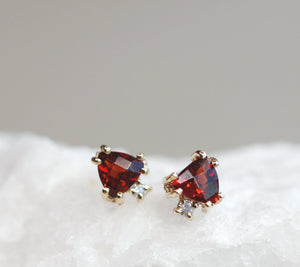 Triangle Garnet Stud Earrings with Diamonds