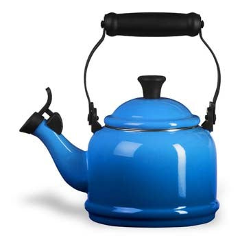 Le Creuset Demi Tea Kettle in Marseille