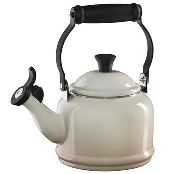 Le Creuset Demi Tea Kettle in Meringue