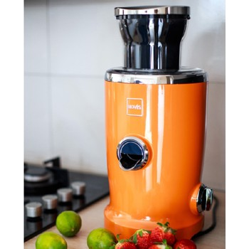 Novis Vita Juicer in Orange