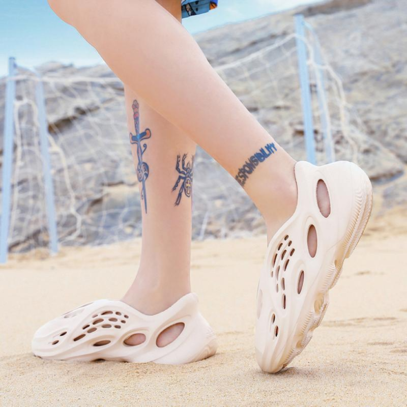 New Plastic Slip On Men's Beach Sandals