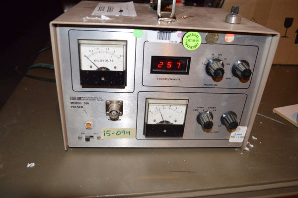Ludlum Model 500 Pulser for calibrating count rate meters and Scalers